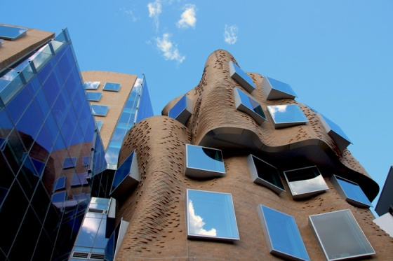 theemmacoastblog.wordpress.com Frank Gehry UTS Building in Sydney